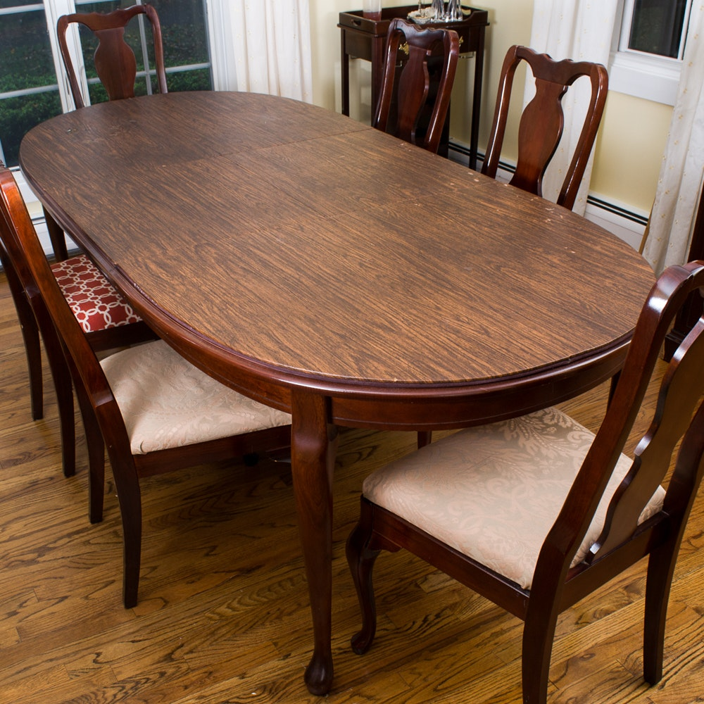 Queen Anne Style Dining Table with Chairs