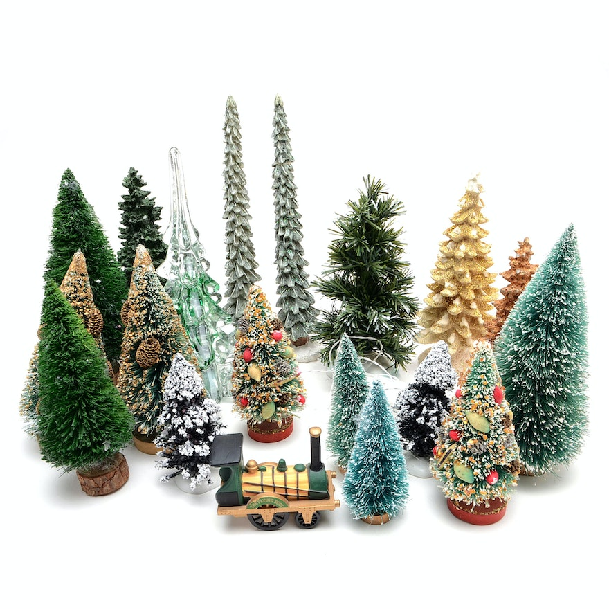 Christmas Village Accessories.Assortment Of Christmas Village Accessories And Trees