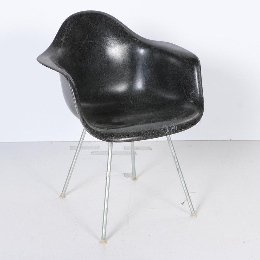 vintage herman miller molded fiberglass chair circa 1960s ebth