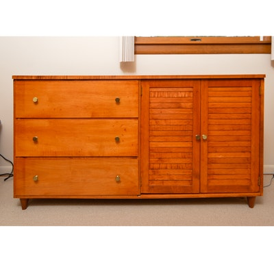 Willett Furniture Company Golden Beryl Maple Dresser Ebth