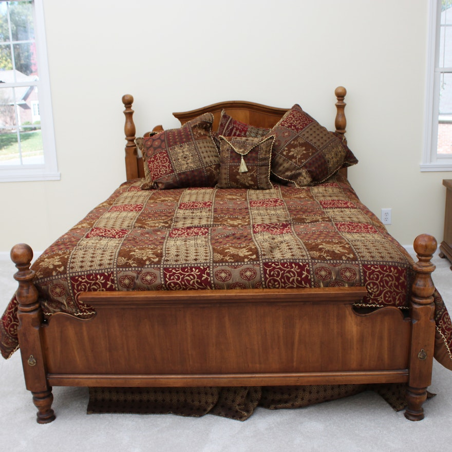 Queen Size Cannonball Bed Frame and Bedding : EBTH