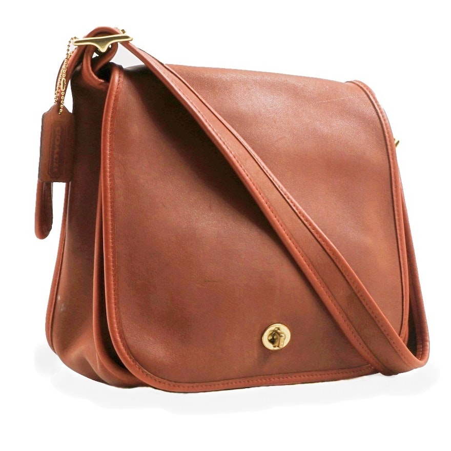 8e5f175c4715 Vintage Coach Messenger Bag Hand Crafted in Chestnut Brown Glove Tanned  Leather   EBTH