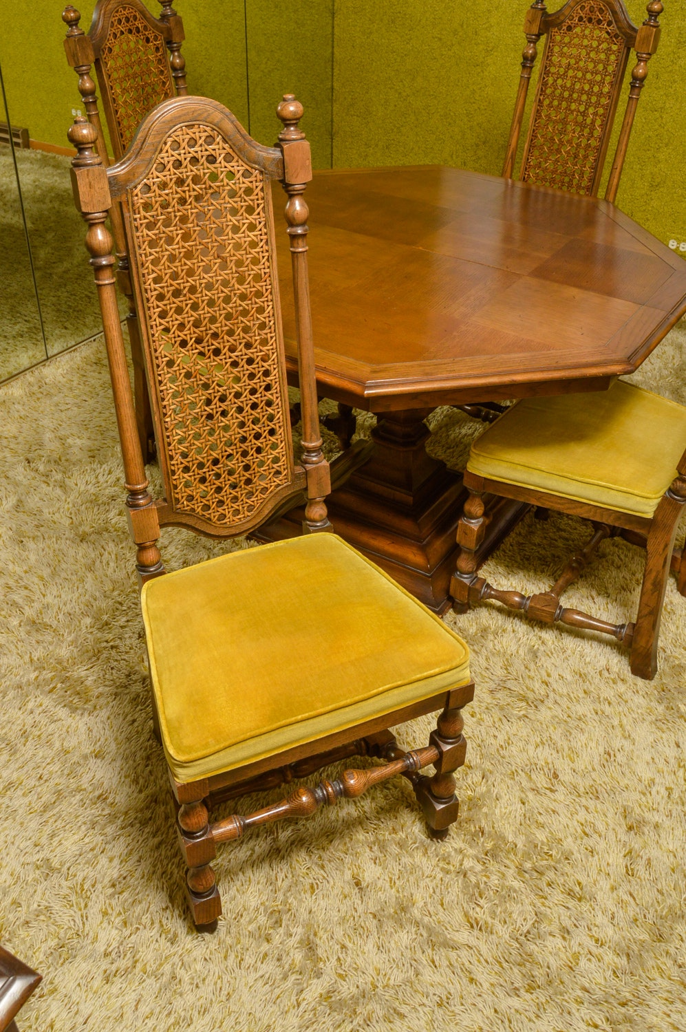 Vintage Jacobean Style Extension Dining Table and Chairs  : BS 207jpgixlibrb 11 from www.ebth.com size 585 x 880 jpeg 179kB