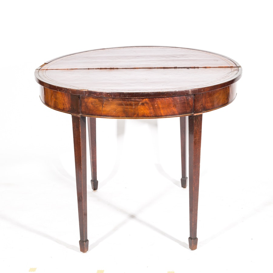 Antique Hepplewhite Style Mahogany Drop Leaf Accent Table