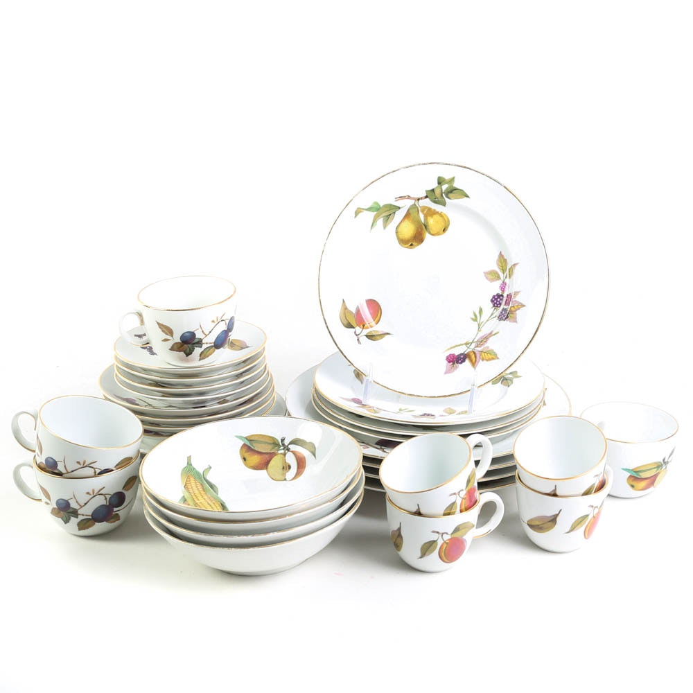 Four Place Settings of Royal Worcester \ Evesham\  Tableware ...  sc 1 st  EBTH.com & Four Place Settings of Royal Worcester \