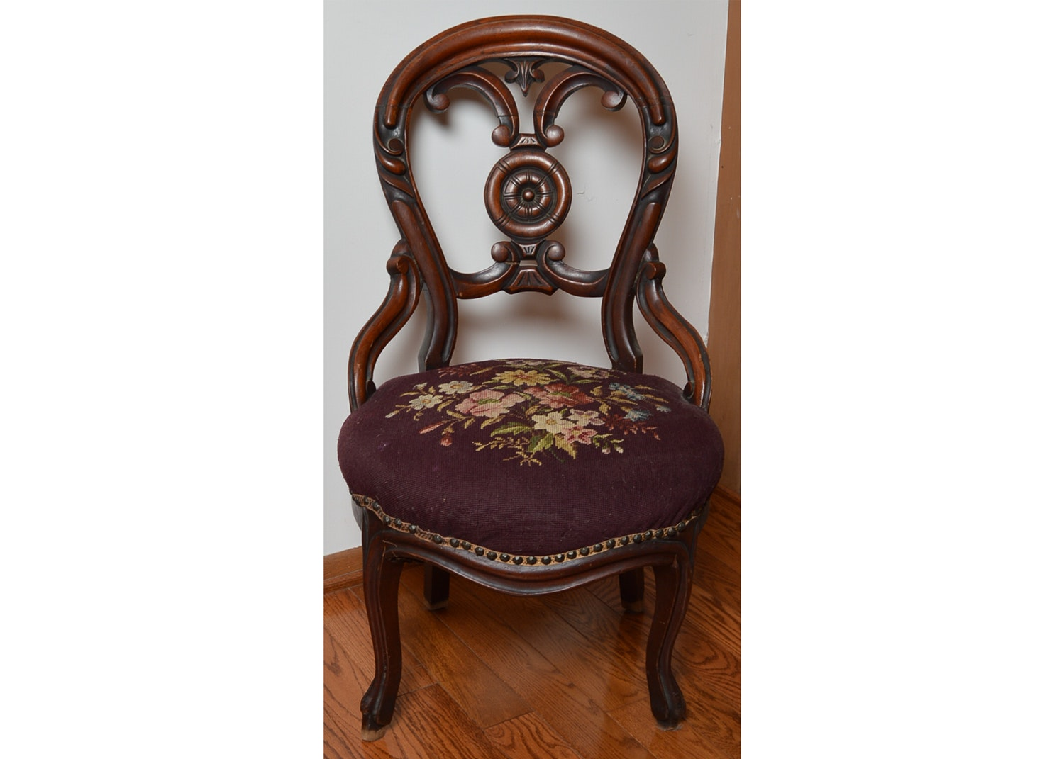 Victorian Style Accent Chair