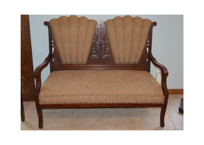 Vintage Victorian Style Settee