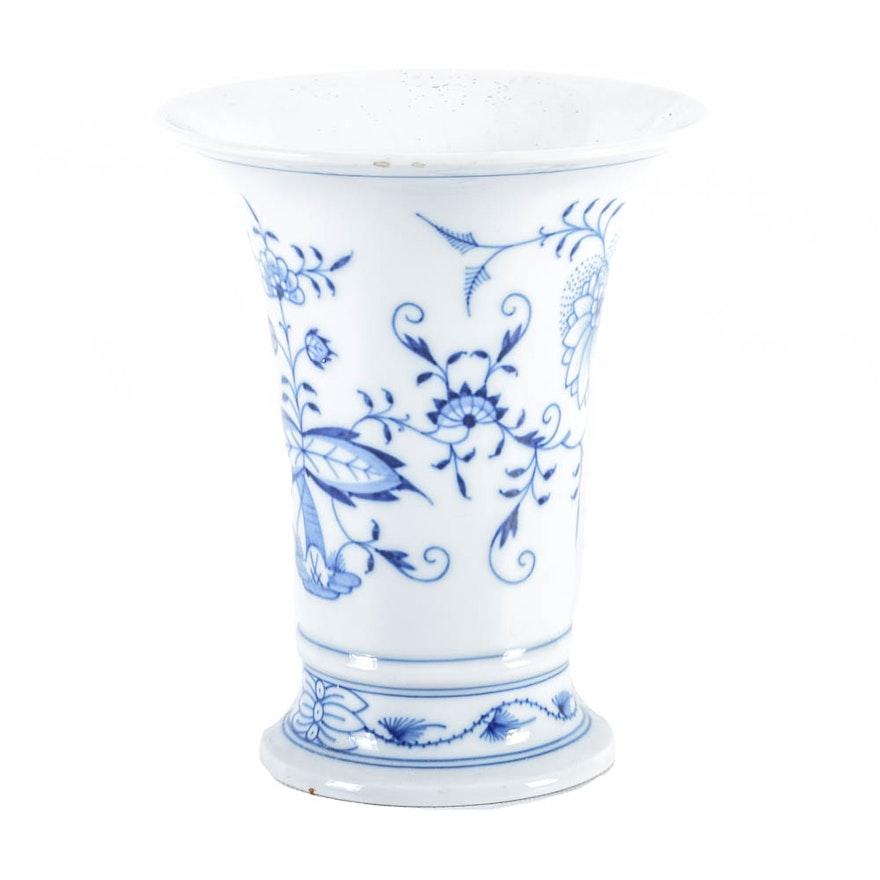 Meissen Blue Onion Porcelain Vase Ebth