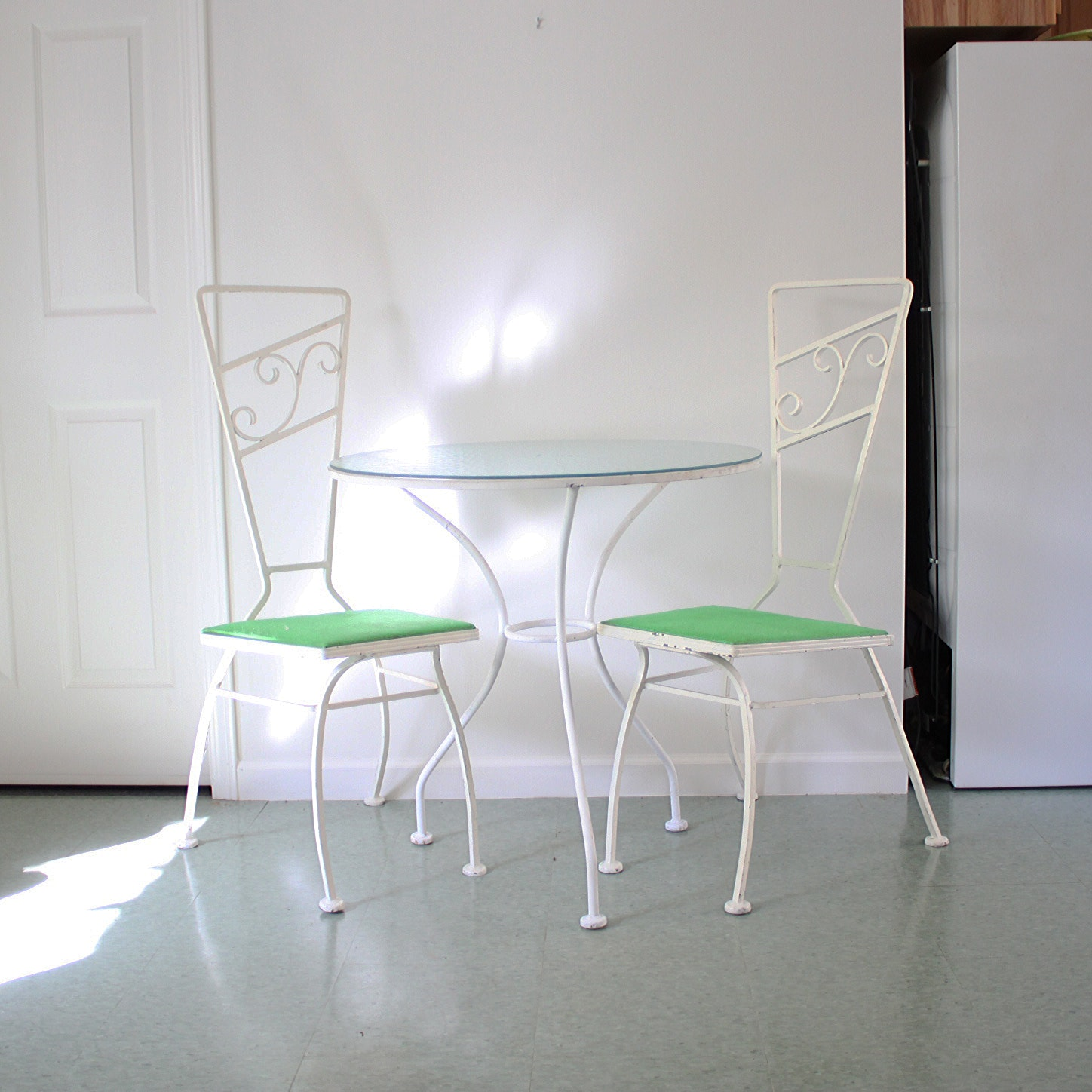 Vintage Mid Century Modern White Metal Bistro Table and Chairs