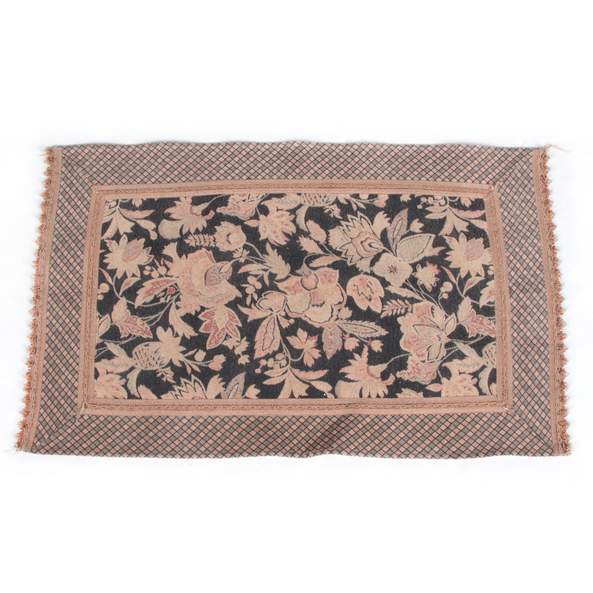 Power-Loomed Textured Floral Accent Rug