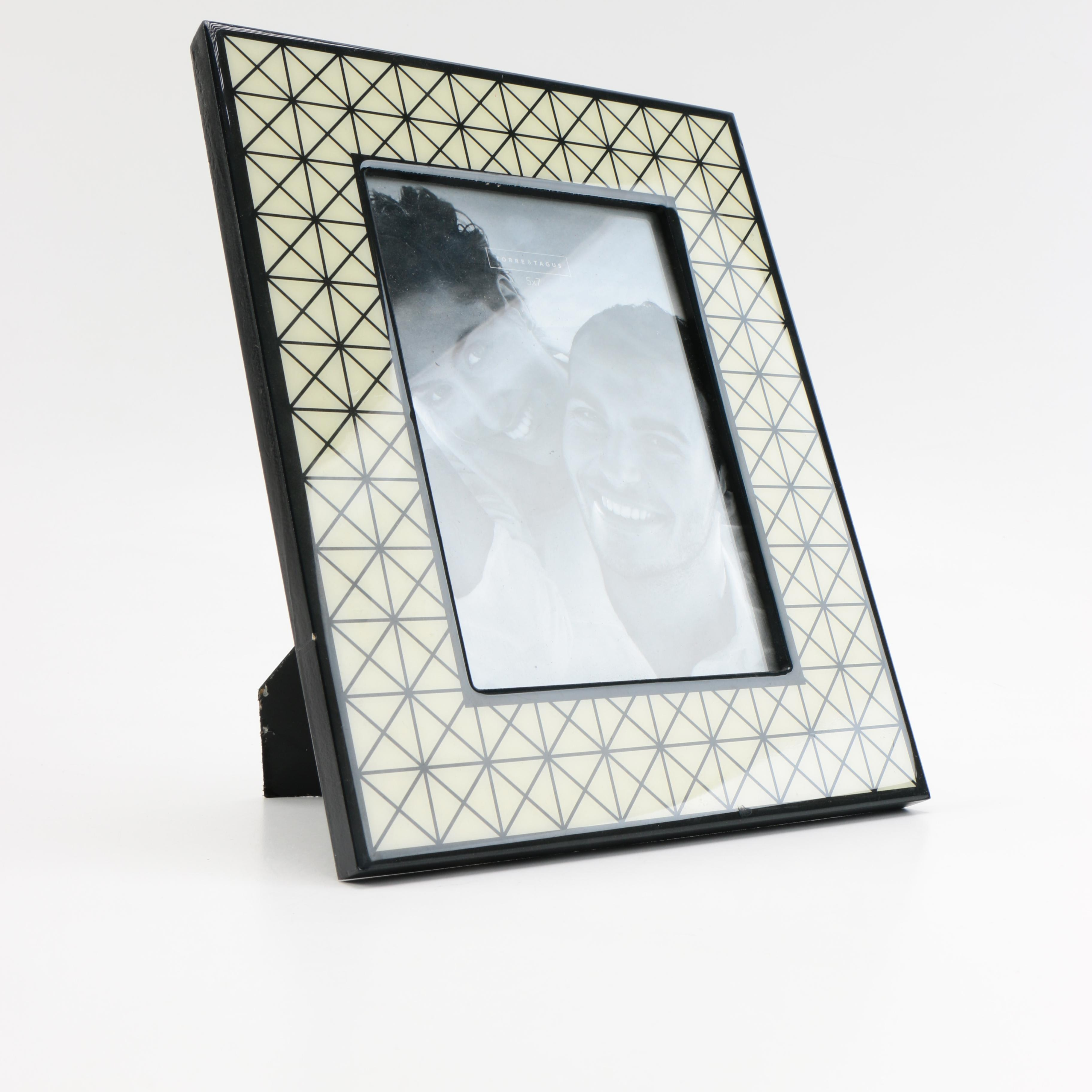Diamond Patterned Plastic Photo Frame