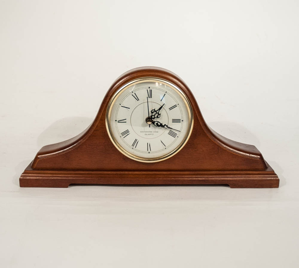 Quartz mantel clock chime