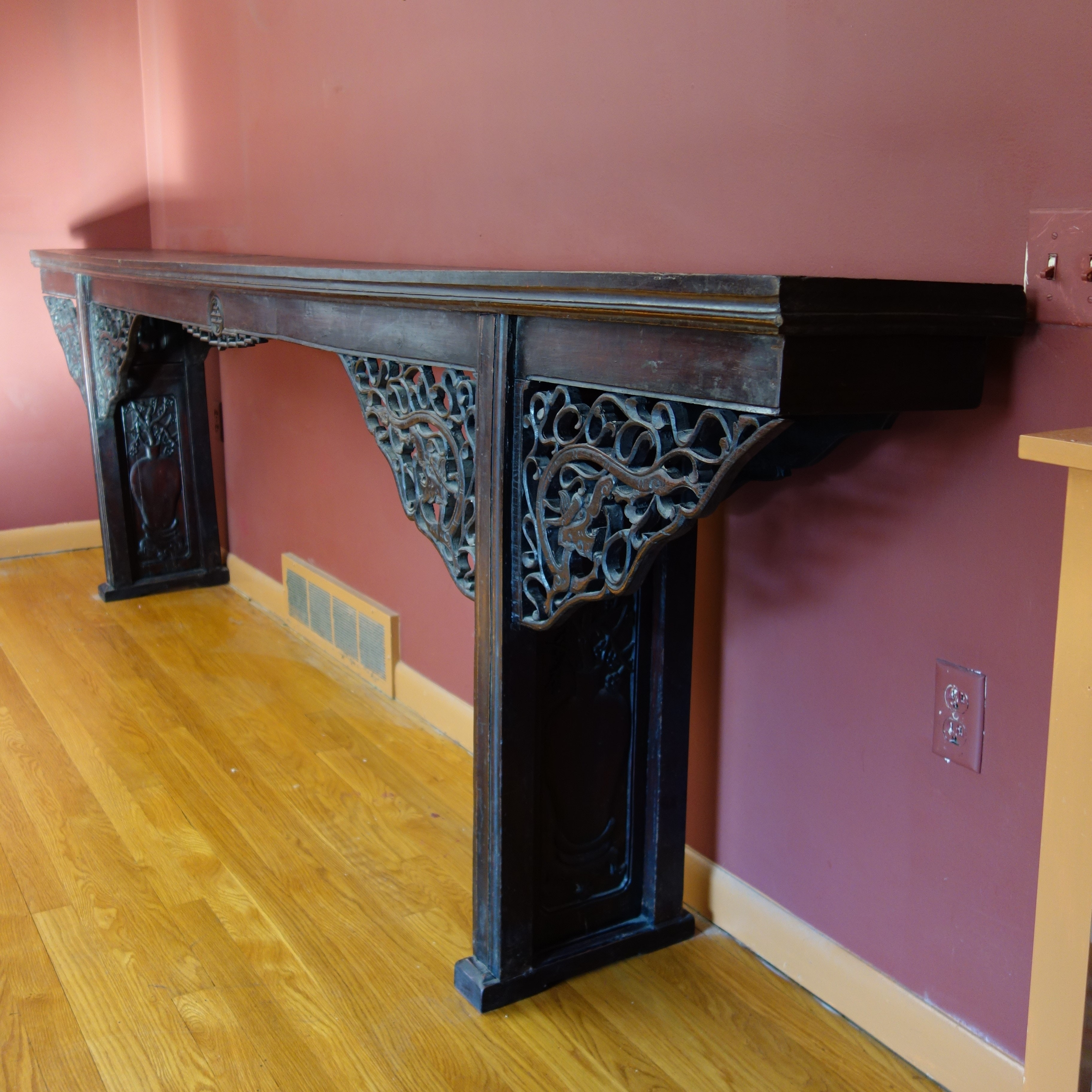 Antique hall table Large Antique Hall Table English Classics Antique Hall Table Ebth
