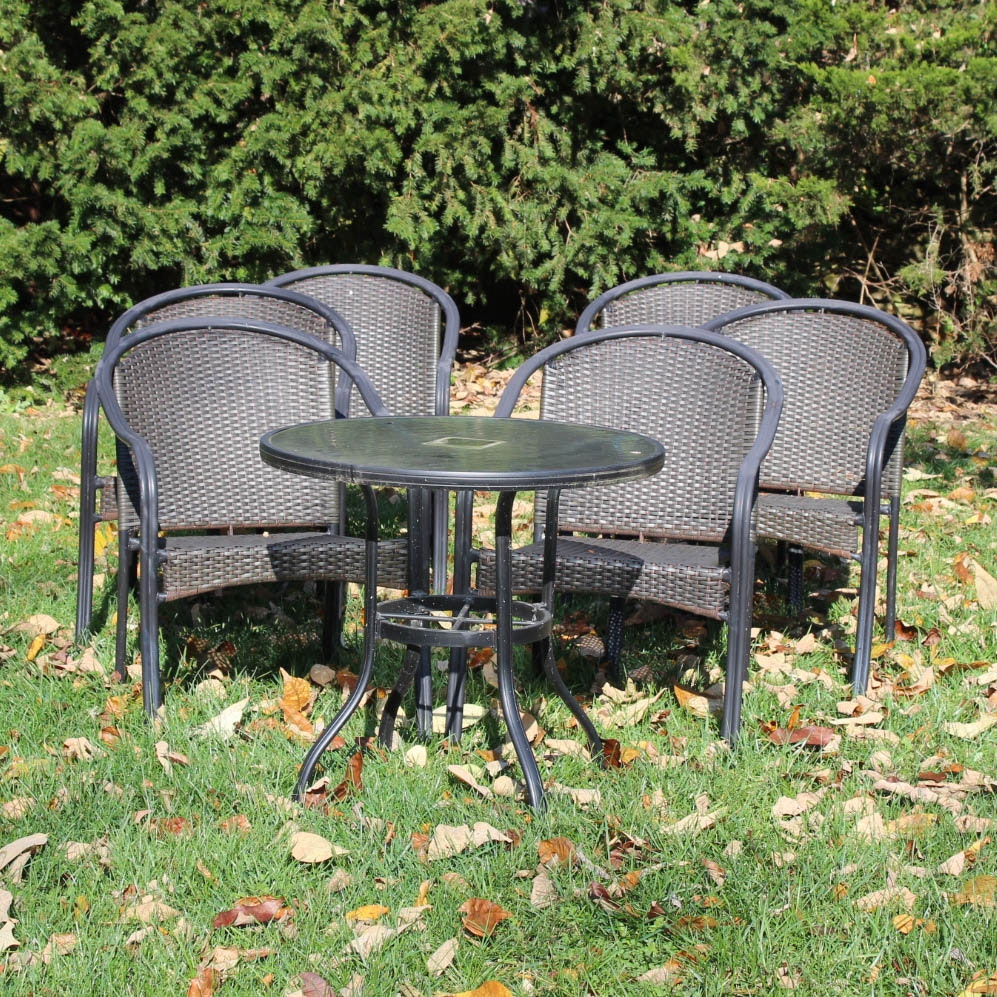 Aluminum Framed Patio Chairs and Side Table