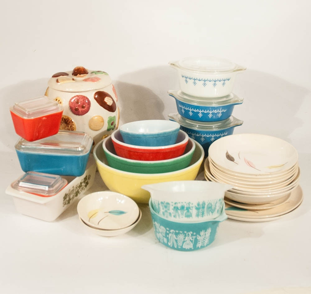 Vintage Mid-Century Pyrex and Dishware