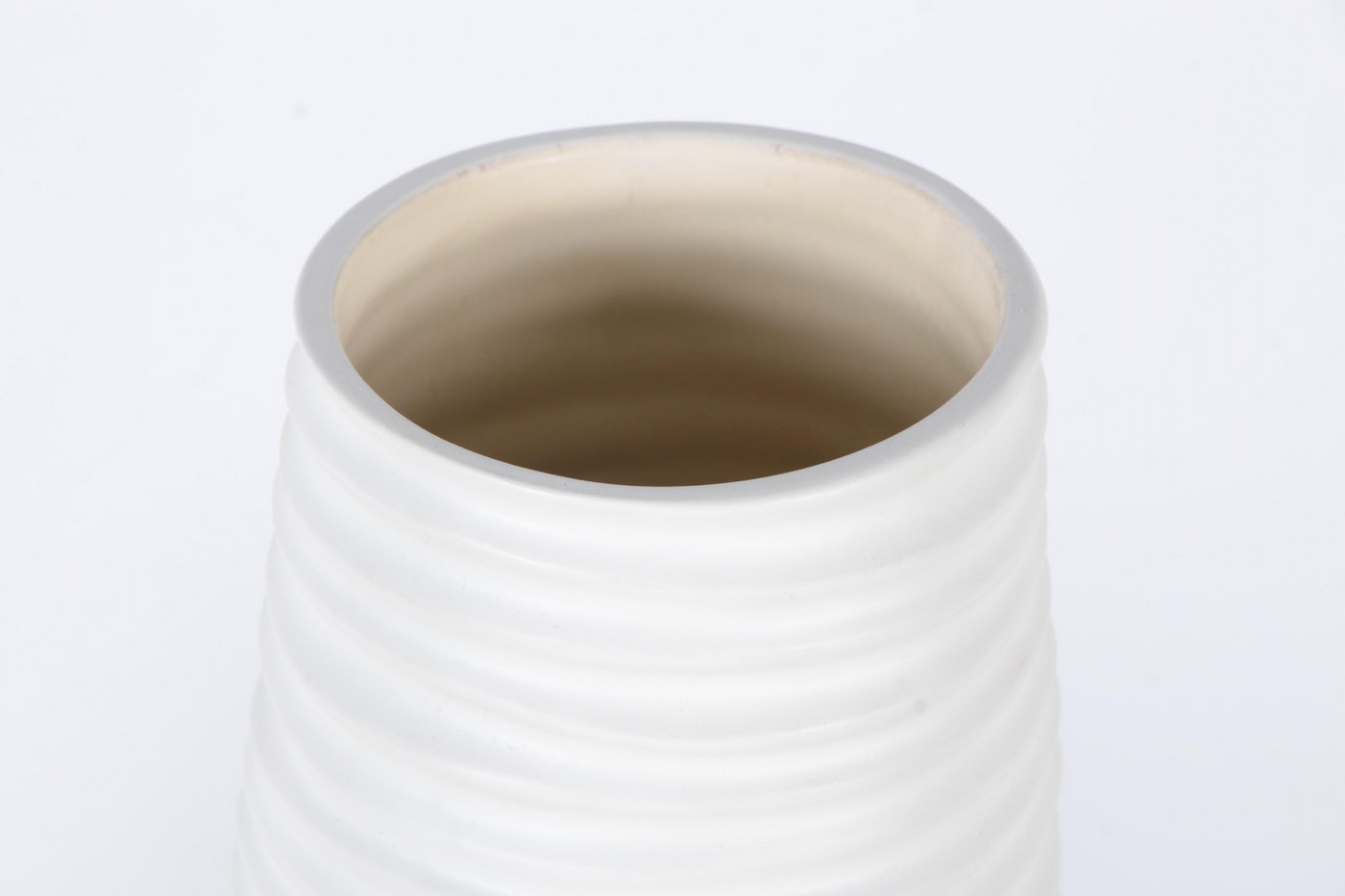Z Gallerie Floorstanding Ceramic Vases Ebth