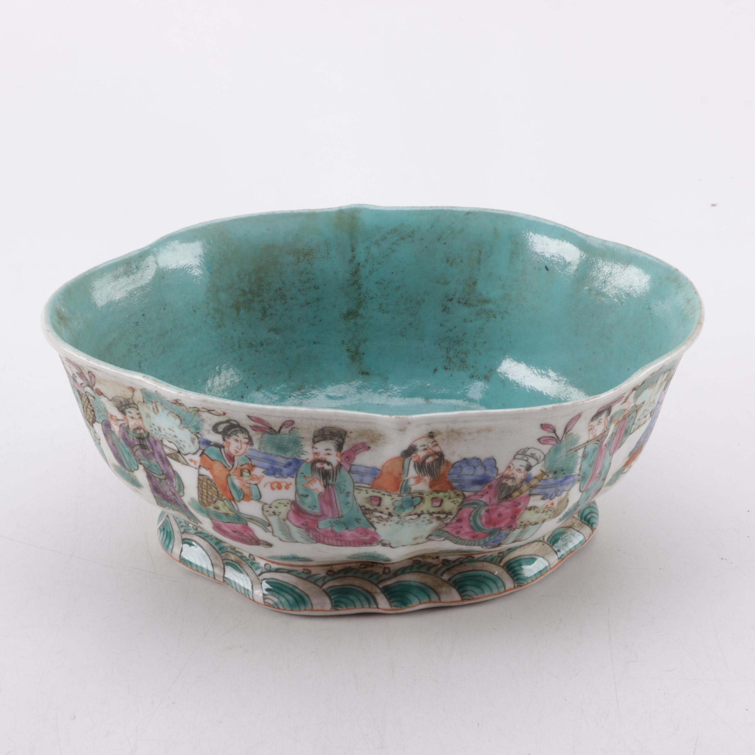 19th Century Chinese Lotus Shaped Hand Decorated Porcelain Bowl