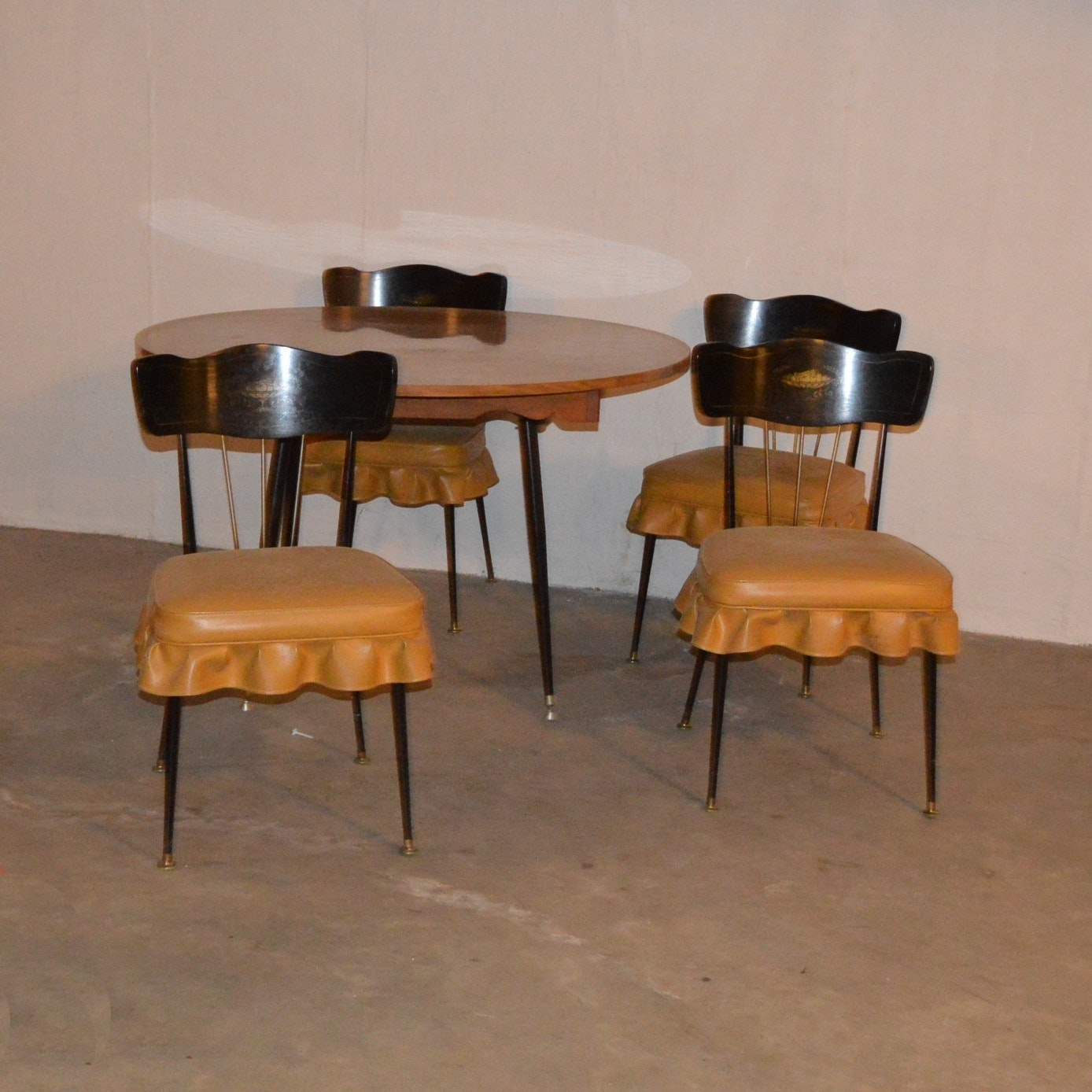 Vintage Kitchen Table and Four Chairs