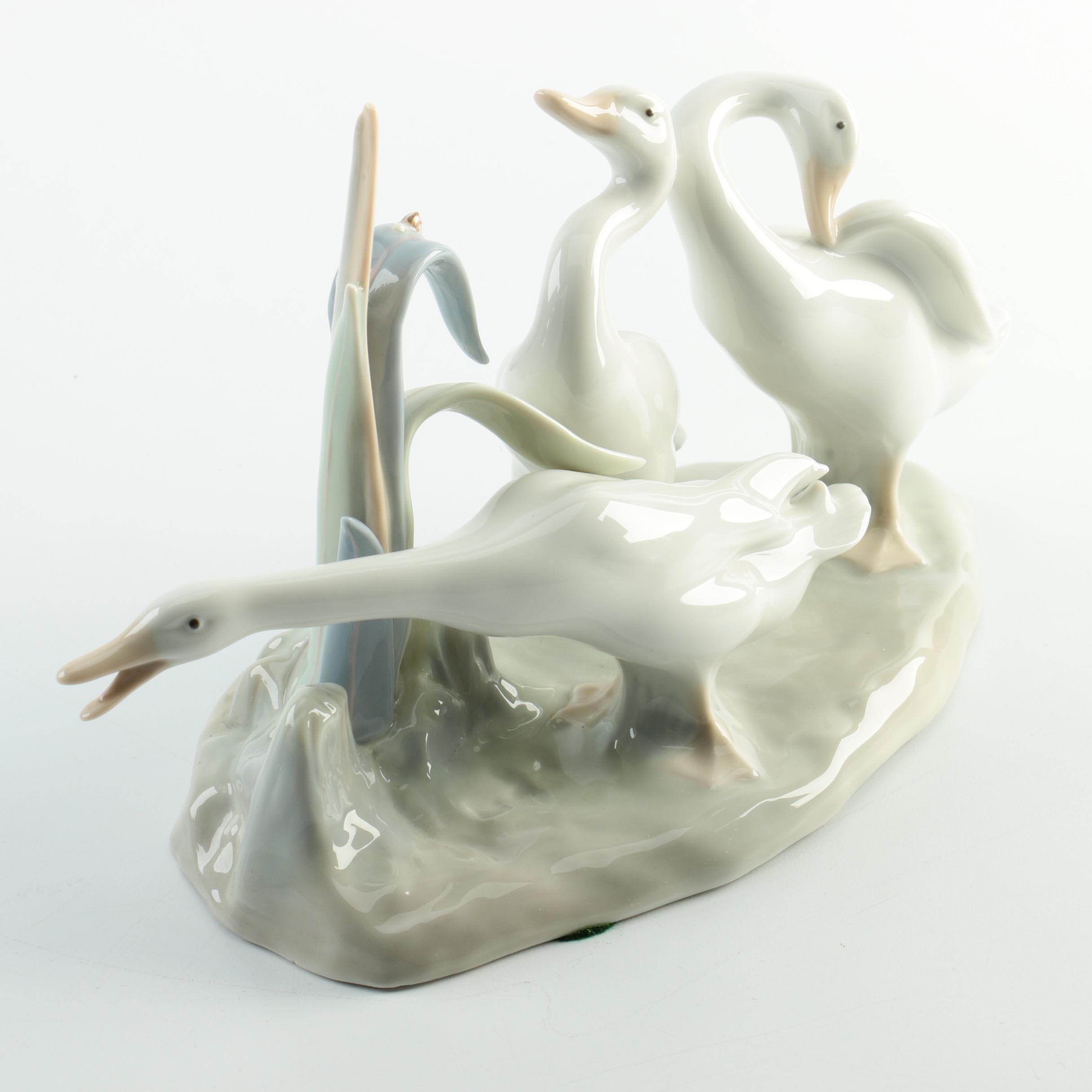 "Lladró ""Ducks Group"" Porcelain Figurine"