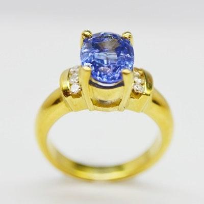 18K Yellow Gold 2.36 CT Tanzanite and Diamond Ring