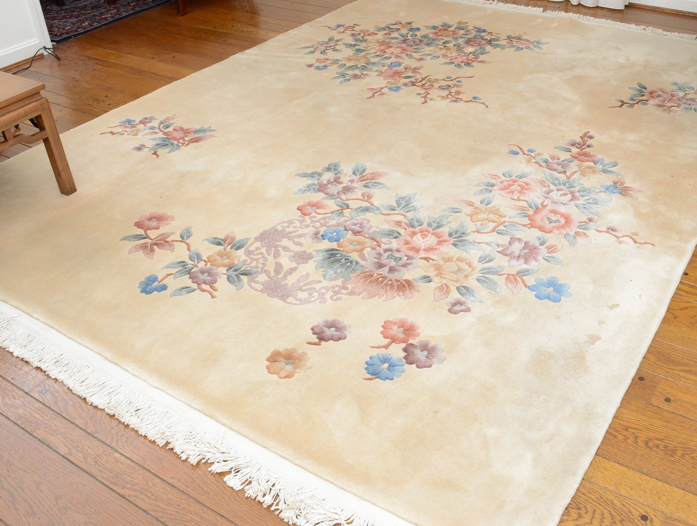 Hand-Knotted and Carved Rug Gallery Chinese Wool Area Rug