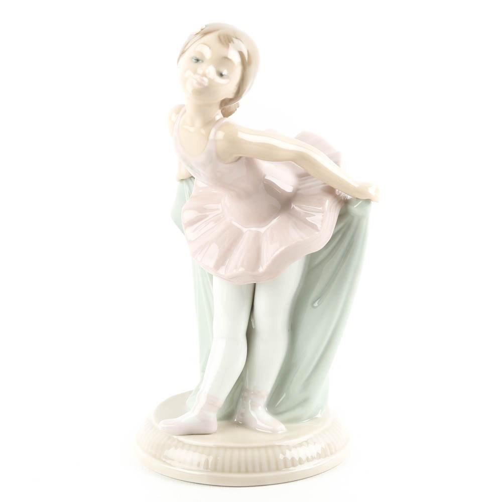"Nao by Lladró ""My Recital Ballerina"" Figurine"