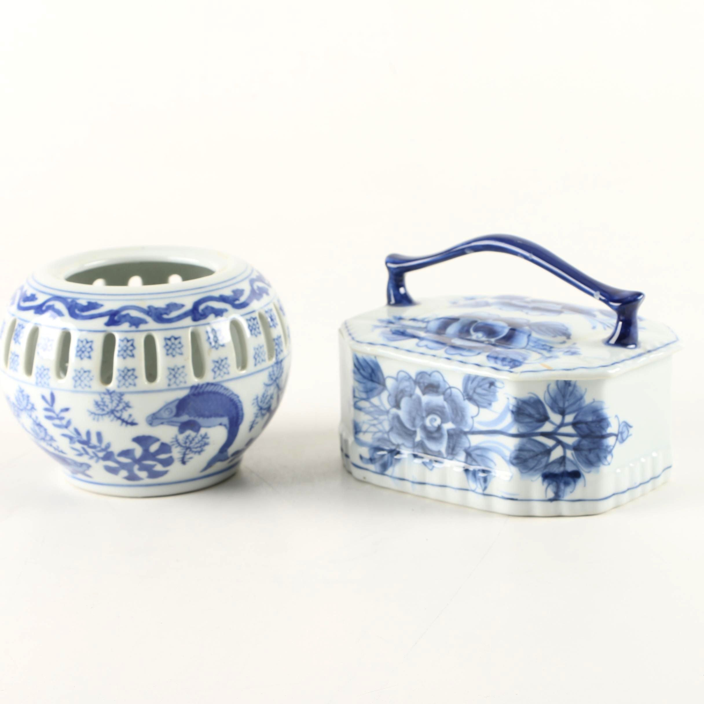 Chinese Porcelain Blue and White Decor