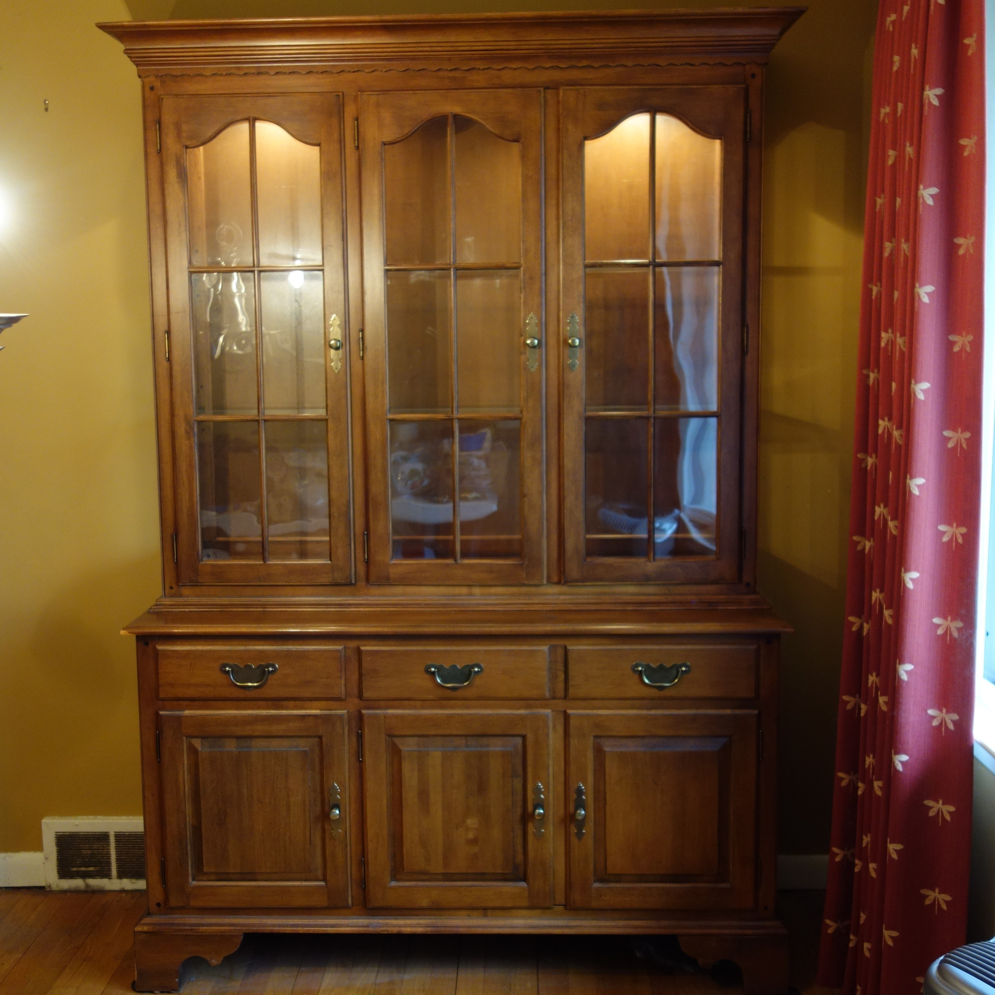 Ethan Allen China Cabinet ...