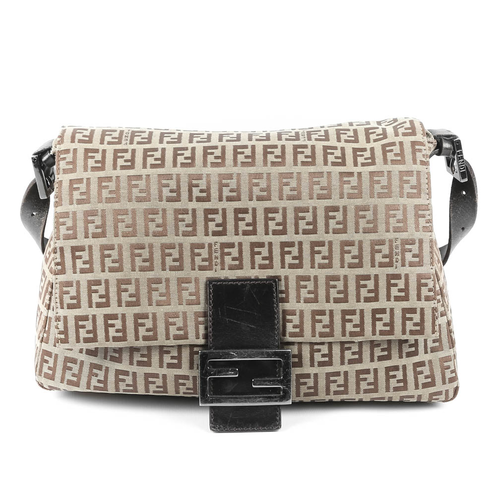 c6f798758015 ... get fendi zucchino mama forever bag 601ea 87eb8 czech fendi leather  crossbody ...