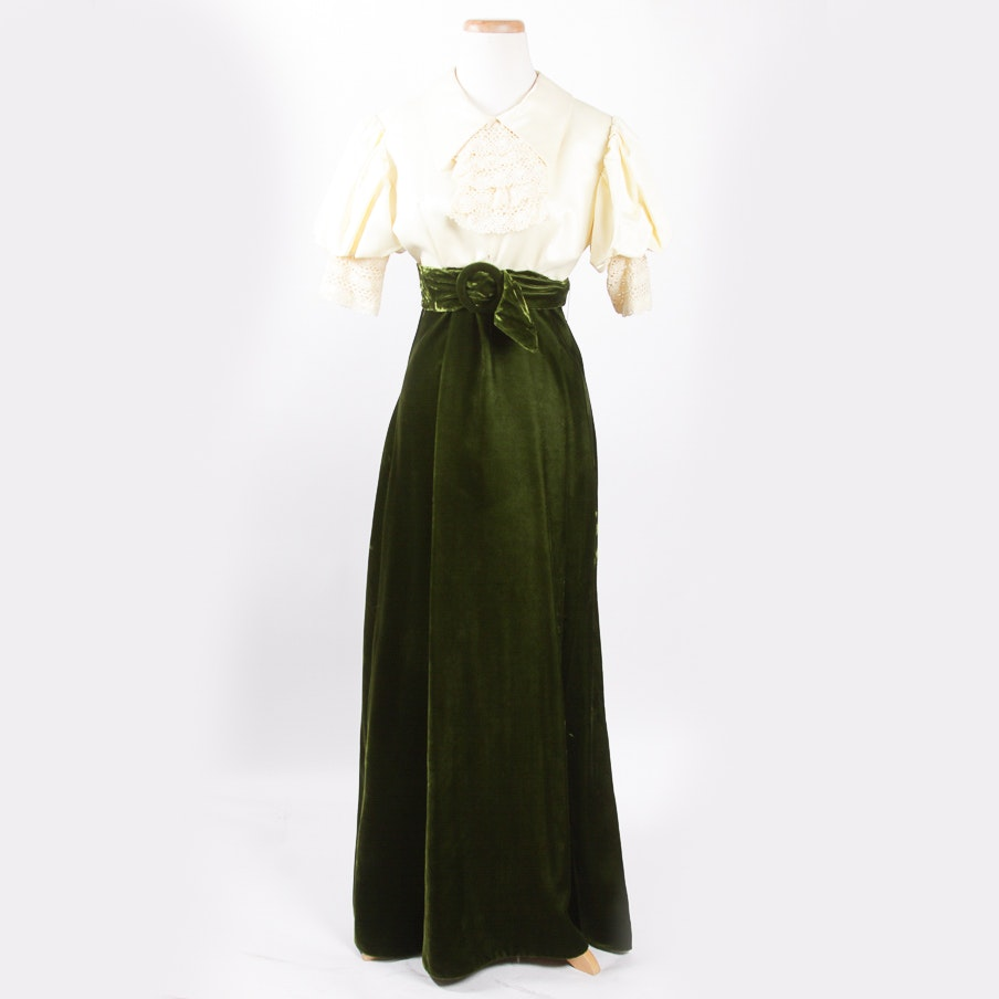 Vintage Neusteters Green Velvet Dress