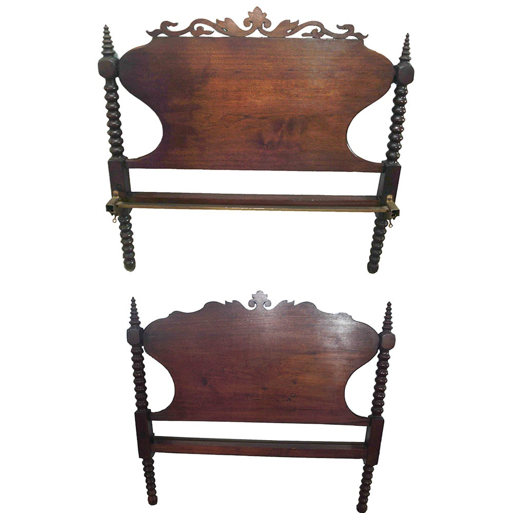 Early Victorian Walnut Spool ¾ Bed Frame