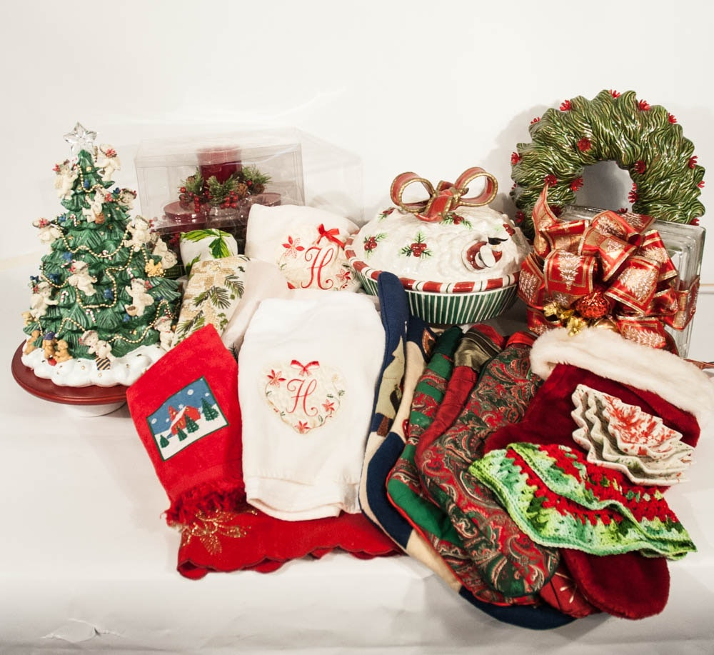 Fine Christmas Decor with Fitz & Floyd and Table Linens