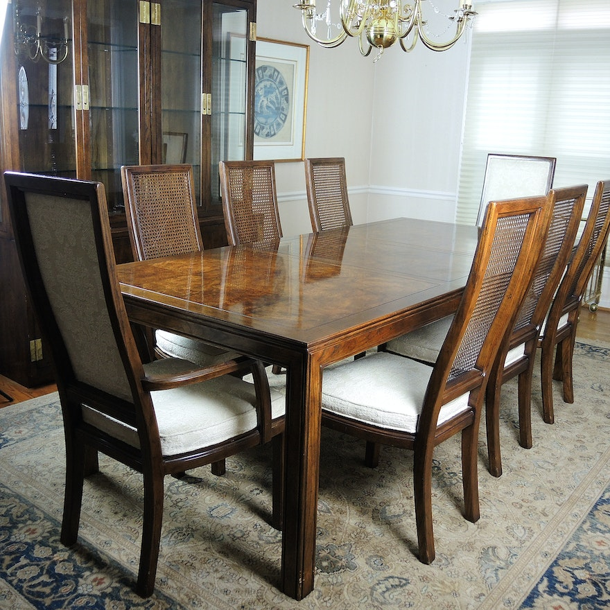 Henredon Scene One Dining Table With Eight Chairs