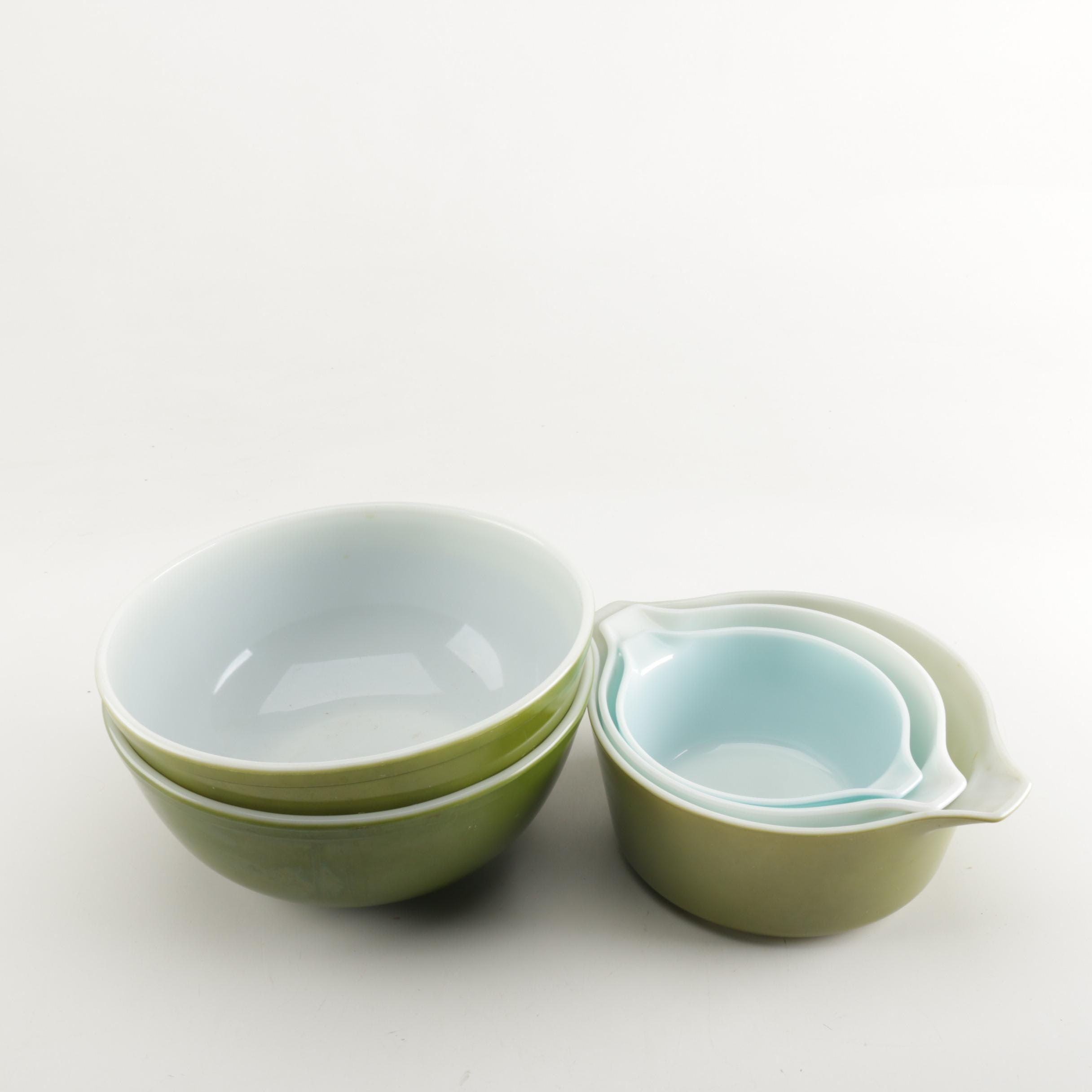 "Vintage Pyrex ""Butterprint"" and ""Verde"" Mixing Bowls"