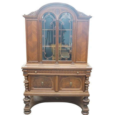 Vintage William and Mary Style Walnut China Cabinet - Online Furniture Auctions Vintage Furniture Auction Antique