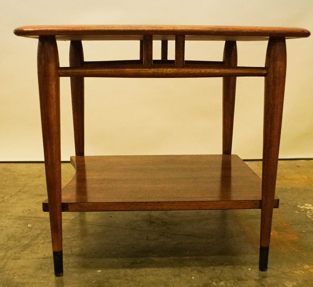 """Mid Century Modern """"Acclaim"""" End Table by Lane"""