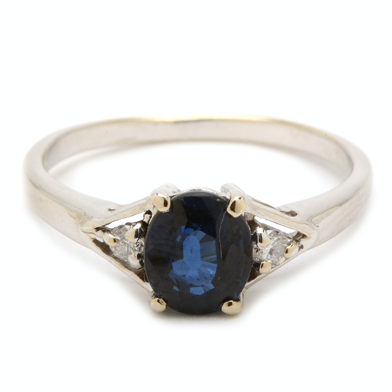 18K White Gold Natural Blue Sapphire Diamond Ring
