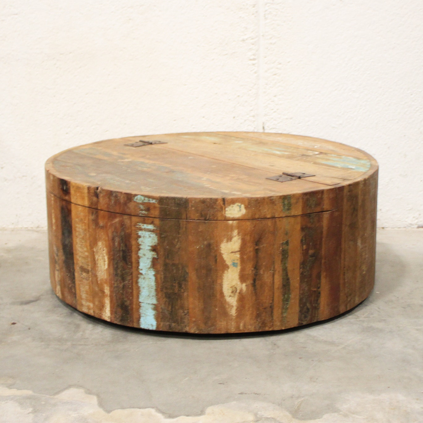 Circular Rolling Coffee Table with Storage