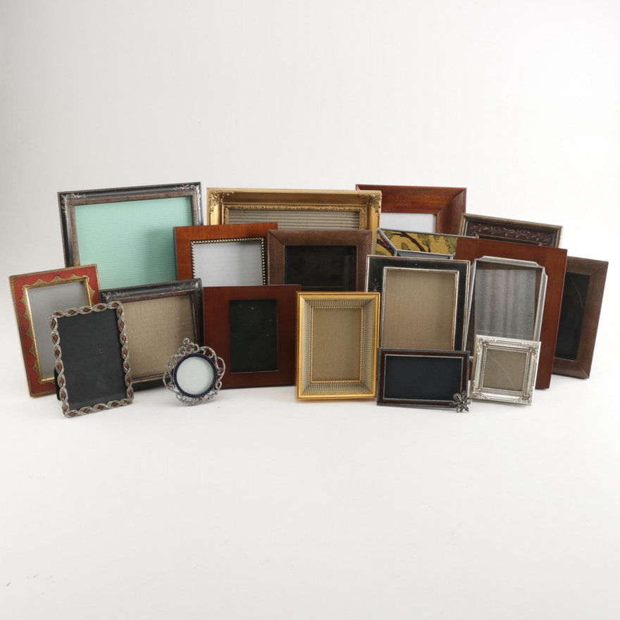 22138b37c7b2 Assortment of Wall and Table Frames   EBTH