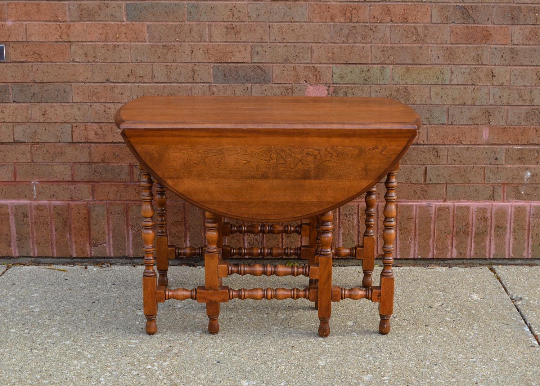 Walnut Laminate Pedestal Trestle Farm Style Dining Table