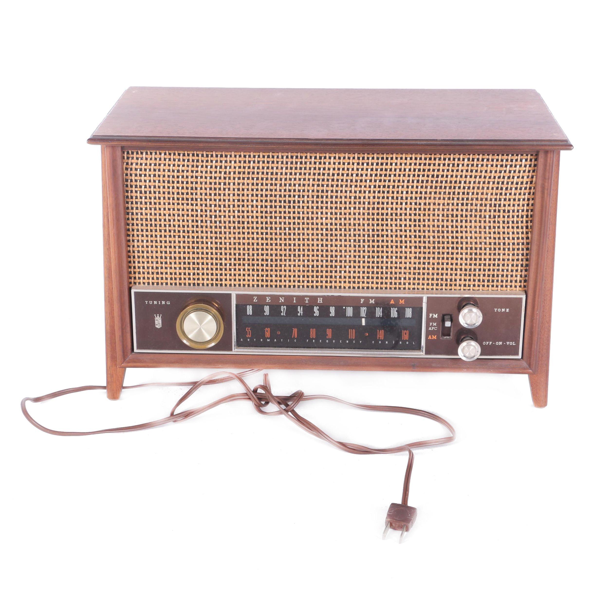 Vintage Zenith Long Distance Radio