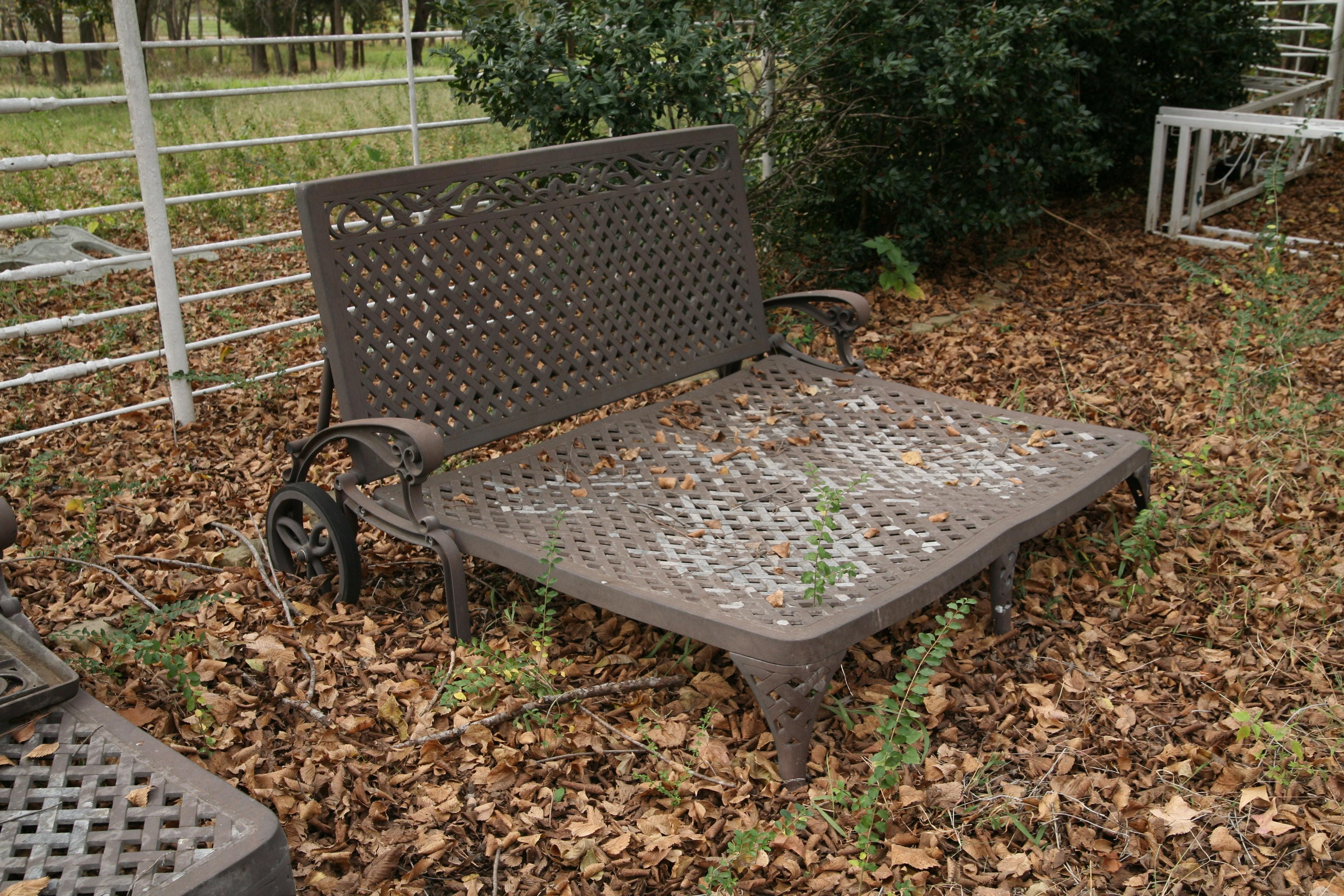 Metal Lattice Bench