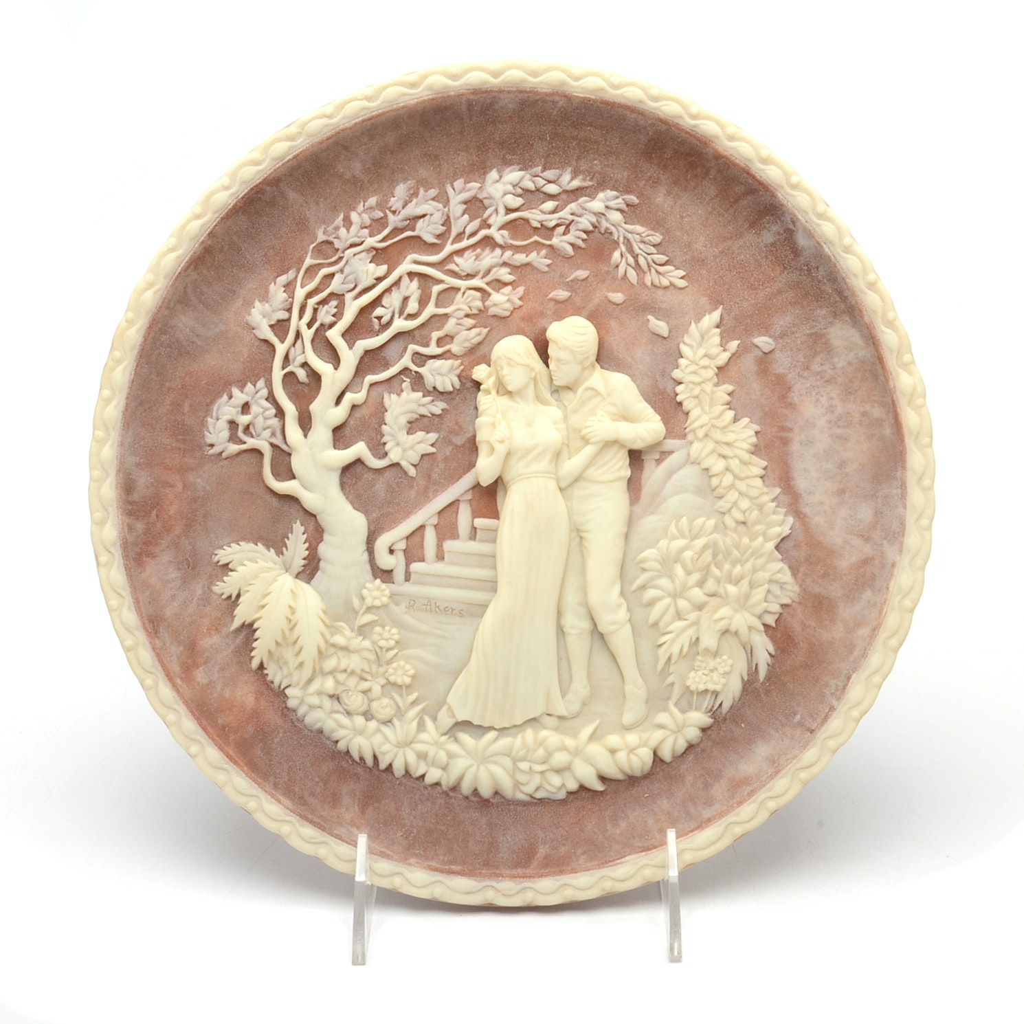 Incolay Cameo Collector Plate