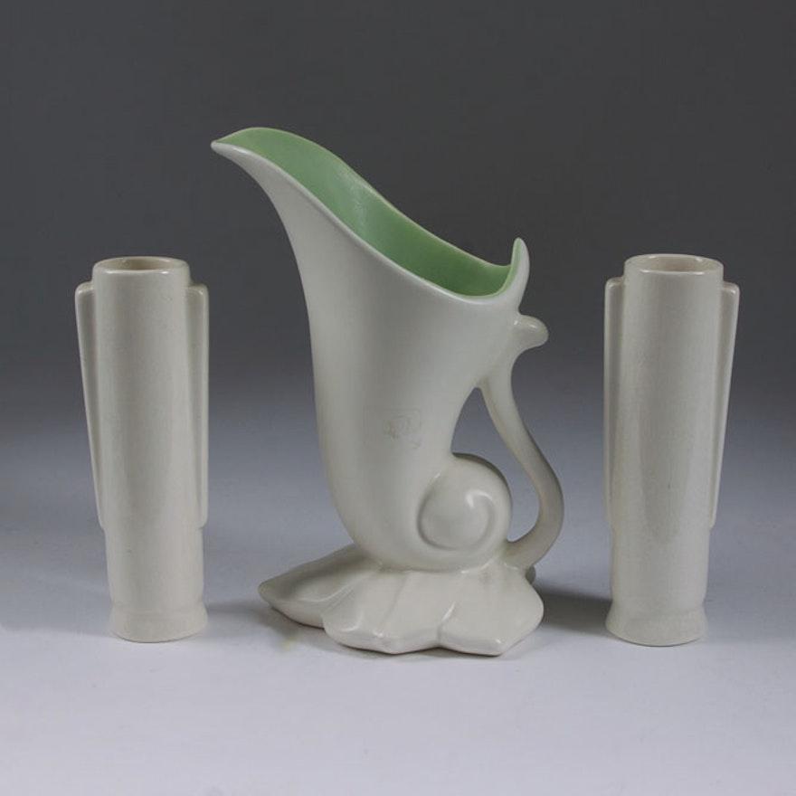 Vintage Red Wing Cornucopia Vase And Auburn Bud Vases Ebth