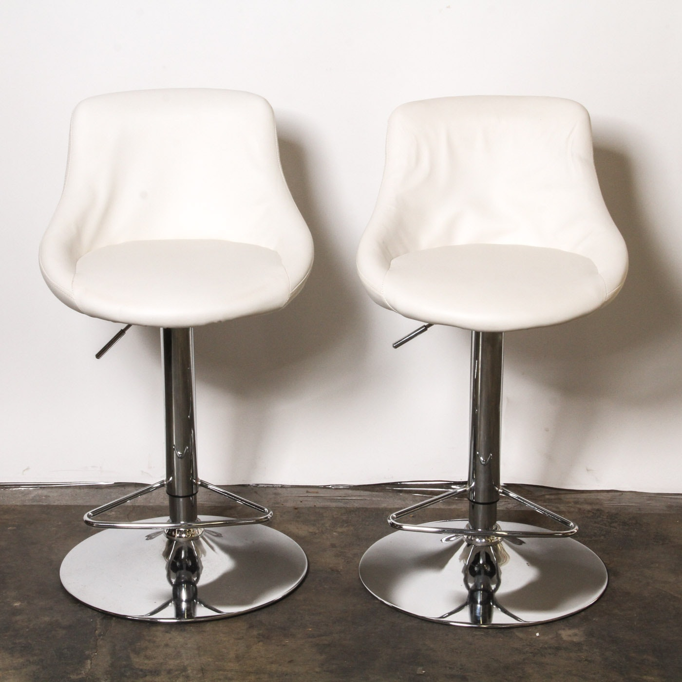 Pair of White Faux Leather Modern Style Swivel Barstools