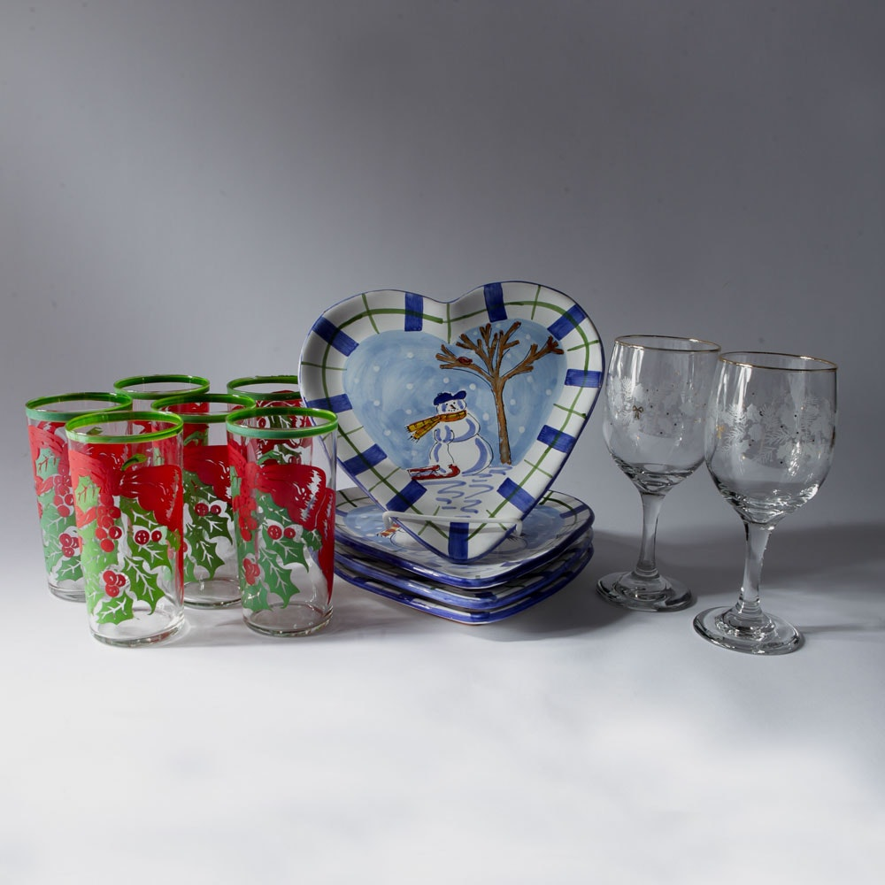 Christmas-Themed Tableware Assortment