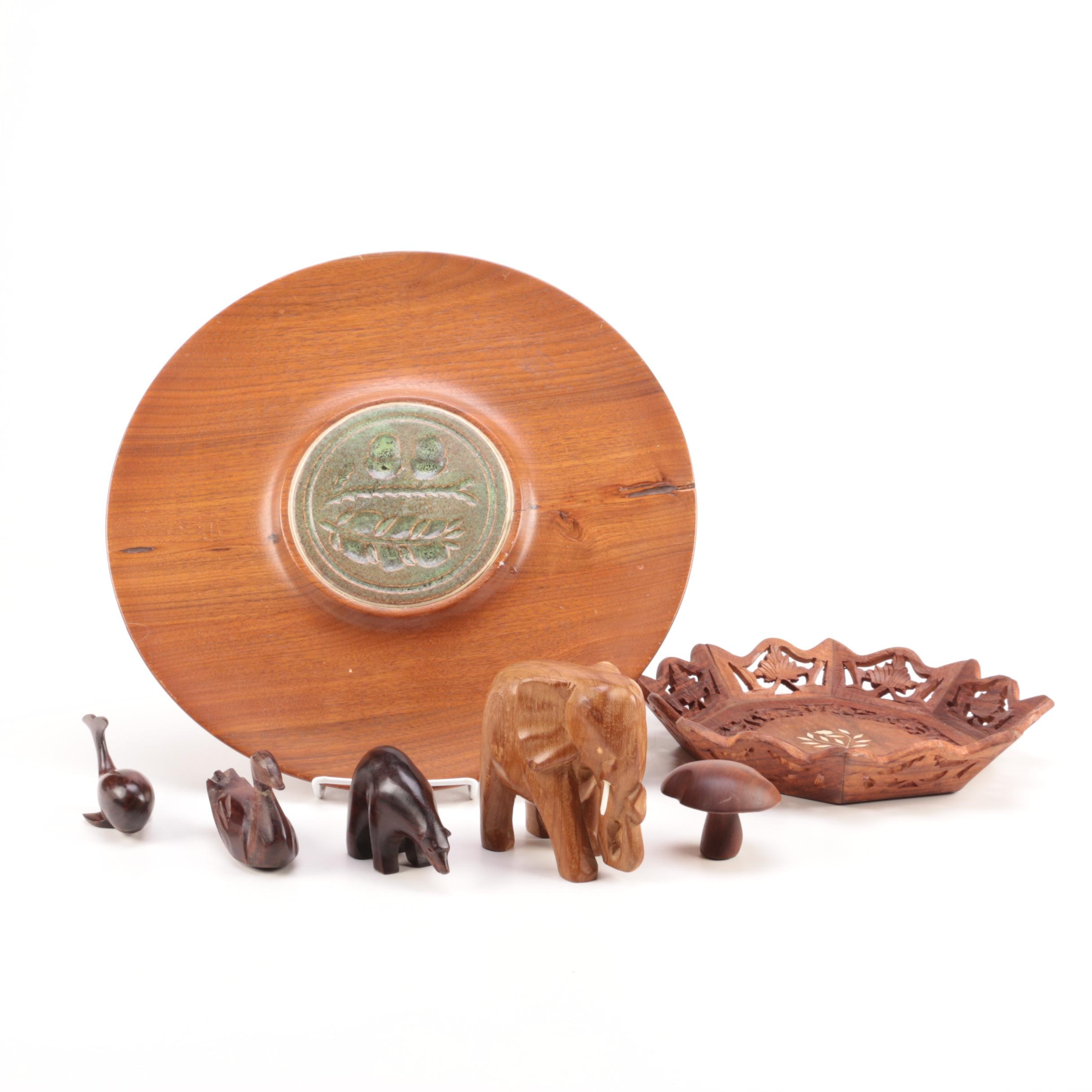 Collection of Wooden Décor