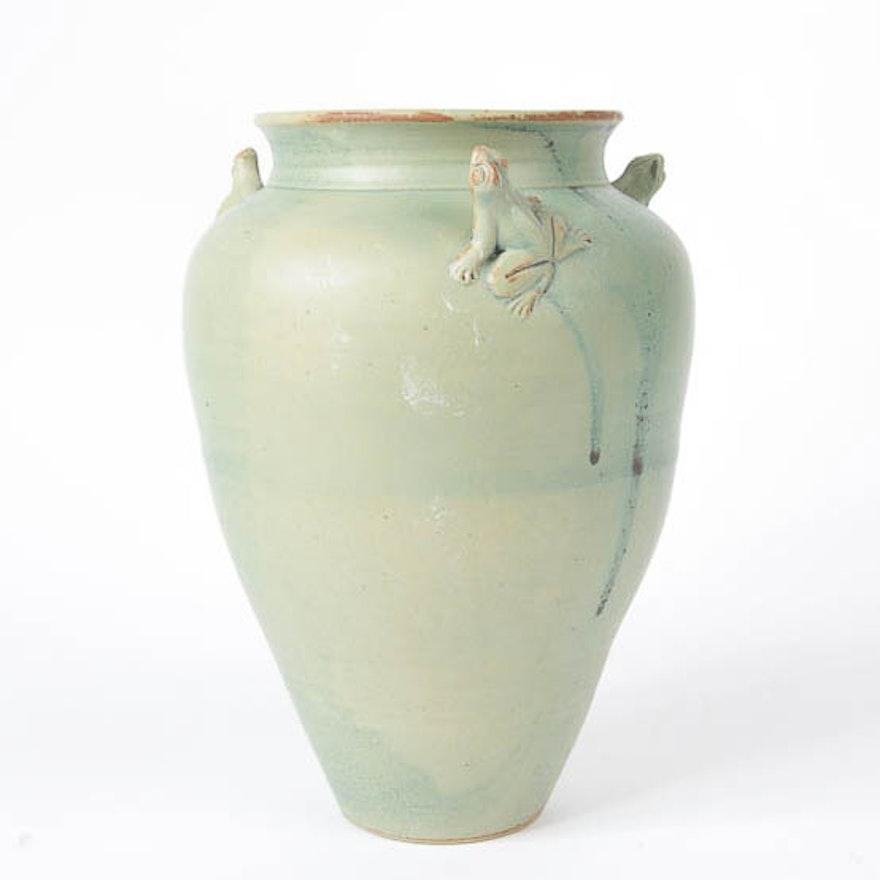Vintage Ceramic Frog Vase Ebth