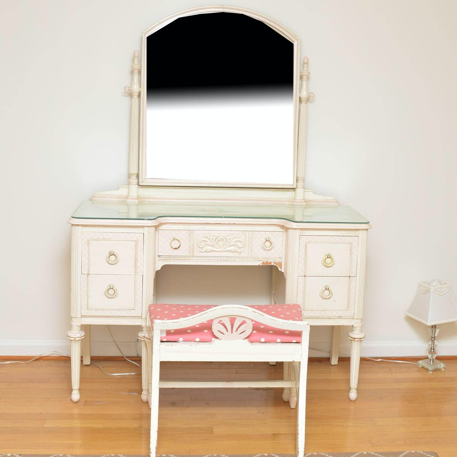 Vintage Painted Vanity With Bench