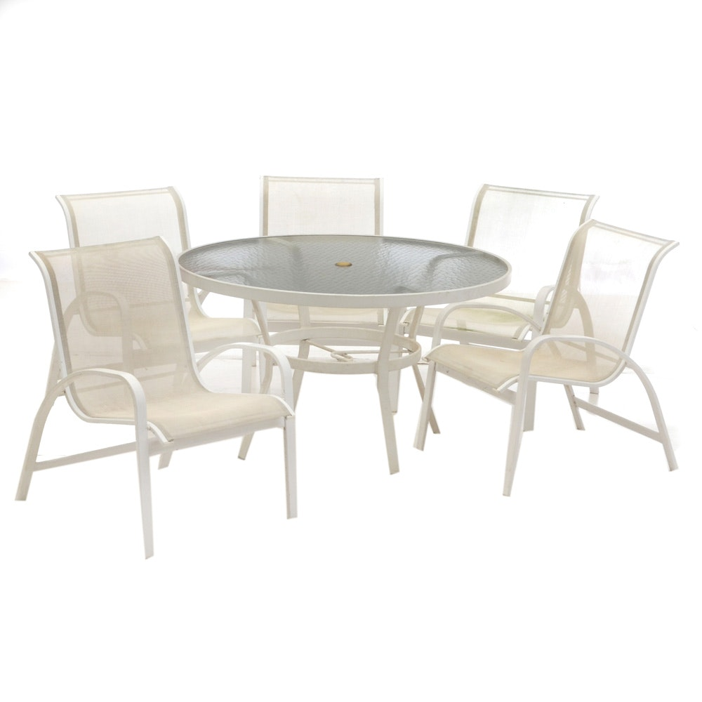 Patio Dining Set in White